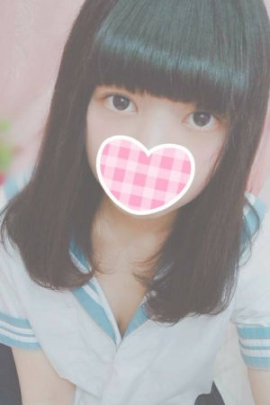 すずほ(2000年生まれ18歳)