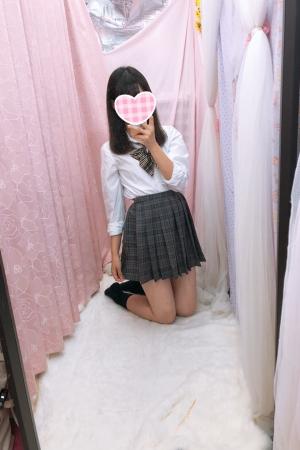 体験入店初日みさこ(2000年生まれ18歳)