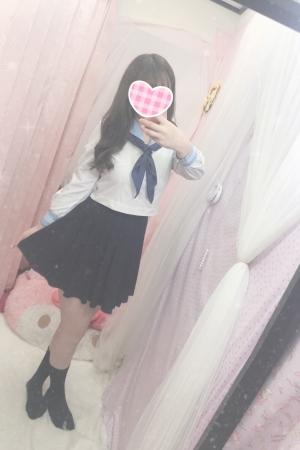 体験入店12/9初日みぃさ(2000年生まれJK中退年齢18歳)